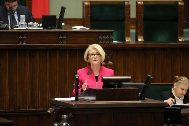 Sejm: Projekty reformy oświaty ponownie trafiły do komisji
