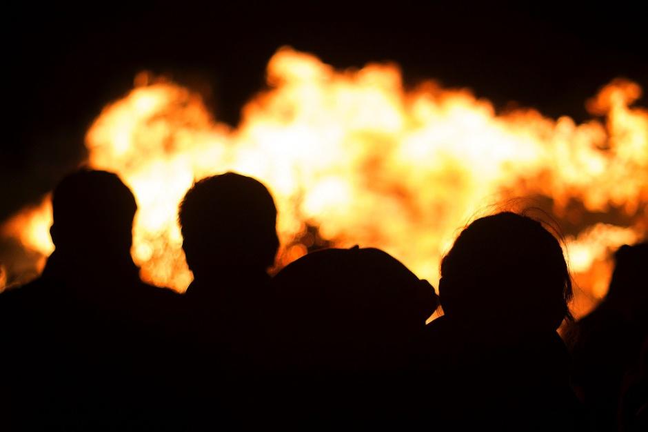 Strażacy apelują: Ładowarka do telefonu może stać się przyczyną pożaru