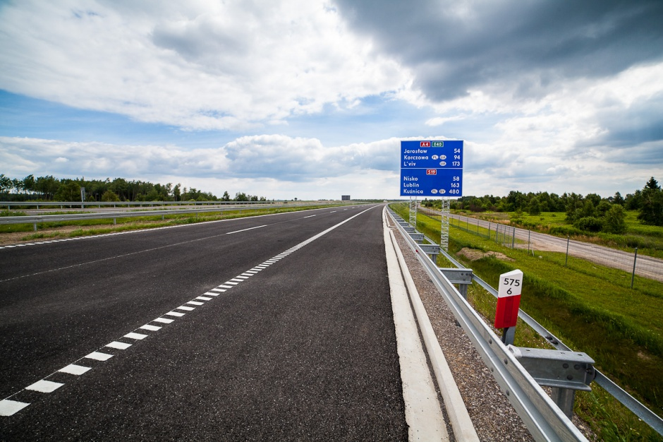 MIB: Nie planujemy zmiany trasy Via Carpatia; ma przebiegać m.in. przez Białystok