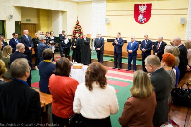 Podlaskie: Budżet województwa uchwalony, deficyt powiększony m.in. o koszty referendum