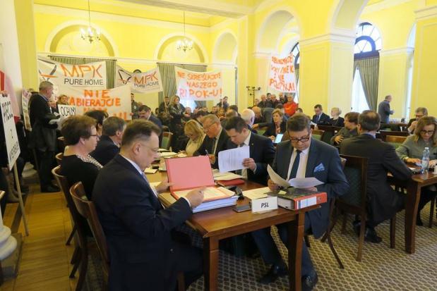 Podczas obrad sejmiku obecni byli mieszkańcy (fot.facebook/sejmikmazowiecki)
