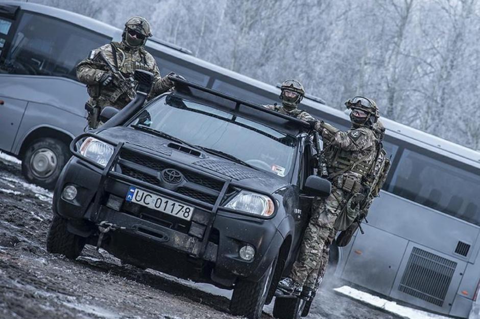 MON: Cały budżet na armię