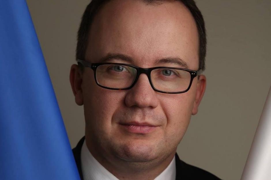 Rzecznik praw obywatelskich Adam Bodnar zamierza podjąć działania mające na celu wsparcie mieszkańców Warszawy. (fot. Facebook)