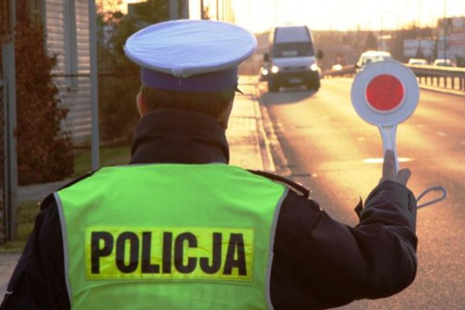 Boże Narodzenie: Policja apeluje ostrożność na drogach podczas świąt