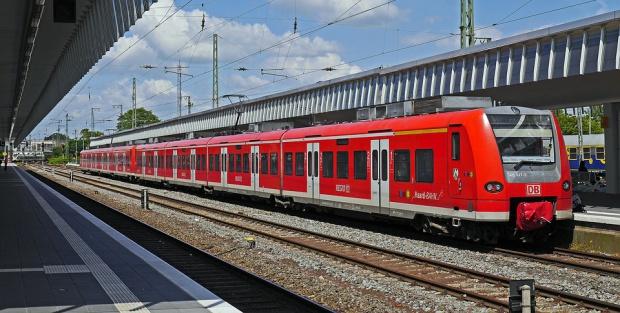 Pierwszy pociąg z Kijowa przez Lwów dotarł do Przemyśla