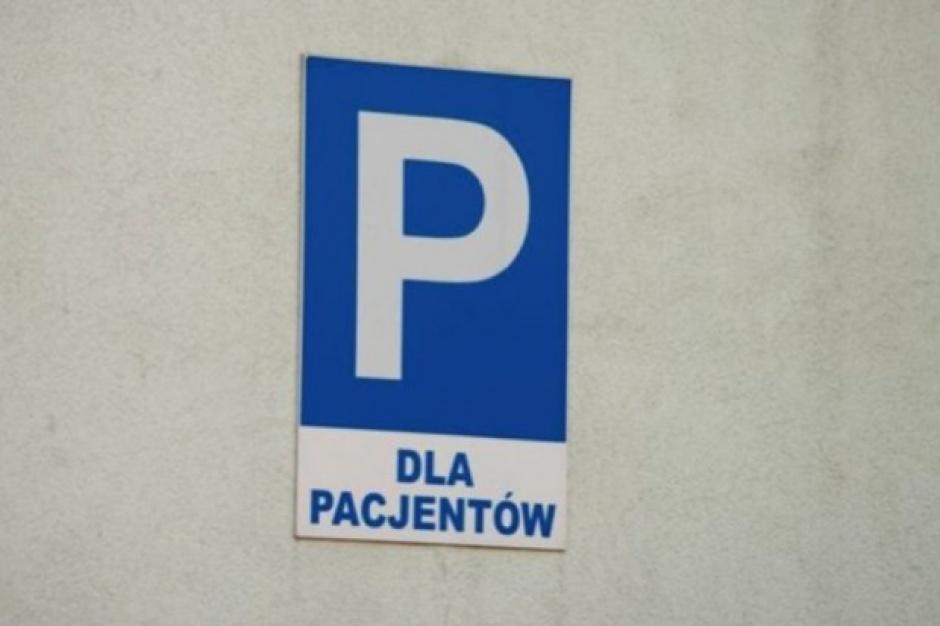 Powiat sfinansował budowę przyszpitalnego parkingu