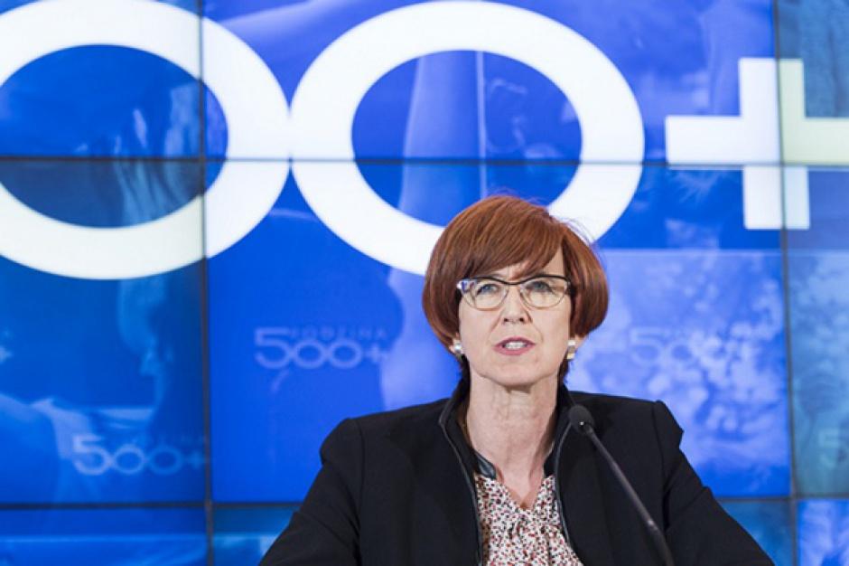 Rafalska: Nie planujemy zmian w programie 500 plus