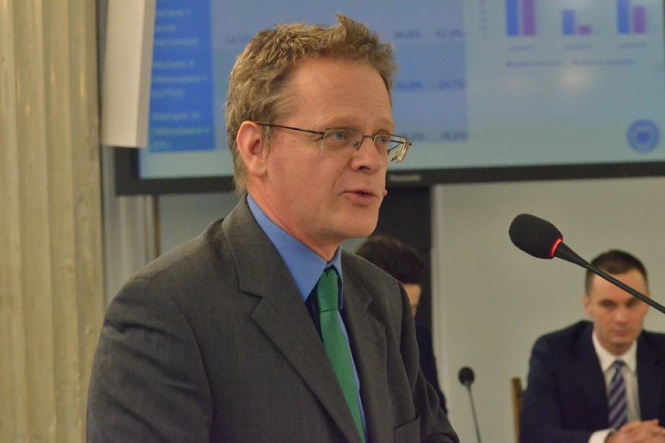 Prof. Swianiewicz dowiódł, że likwidacja powiatów ma sens