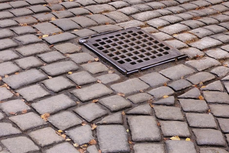 Kalisz: Zakaz budowy chodników z kostki betonowej i brukowej