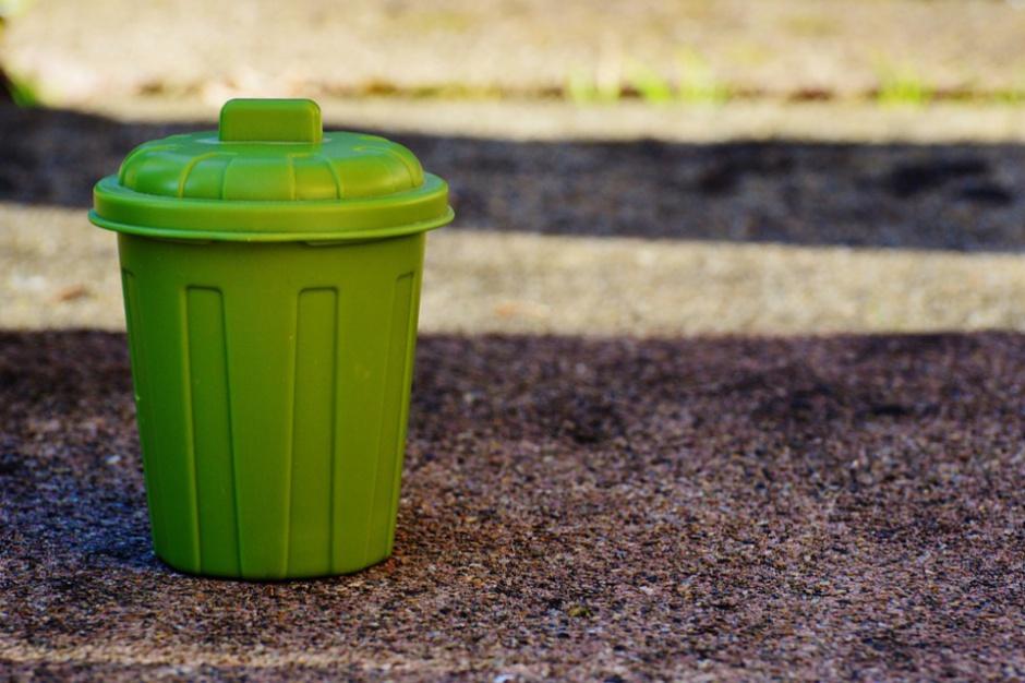 Świętokrzyskie: Akt oskarżenia w sprawie umów na wywóz śmieci w Starachowicach