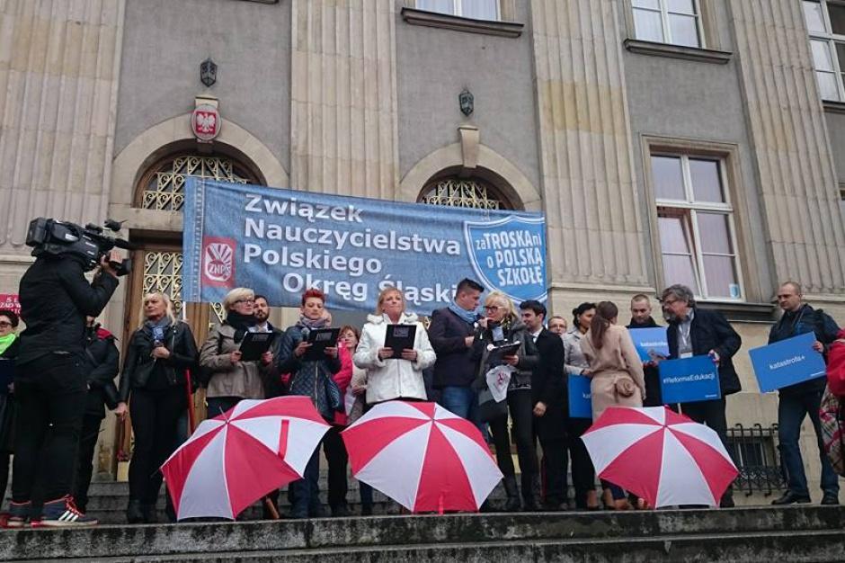 Reforma edukacji i strajk w oświacie: Referendum w szkołach będzie po feriach
