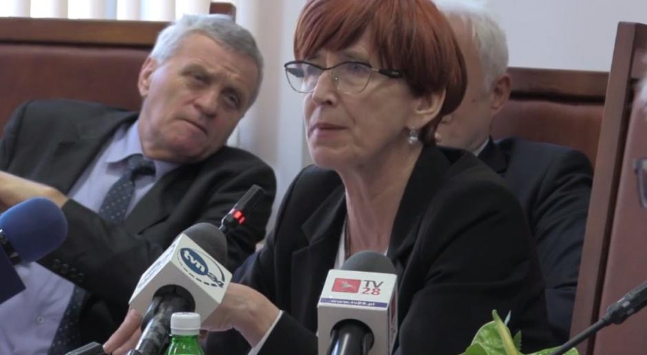 Minister Elżbieta Rafalska apeluje o odpowiedzialność za współobywateli, których może czekać śmierć na mrozie, źródło: youtube.com