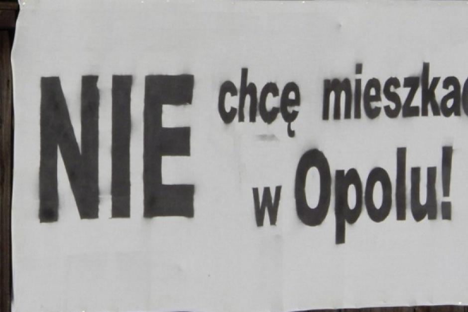 Opole, Dobrzeń Wielki, strajk głodowy: spór o powiększenie miasta