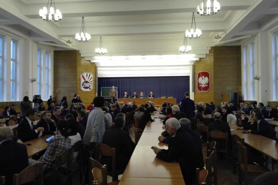Reforma edukacji: Przedstawiciele rodziców i samorządowców za referendum
