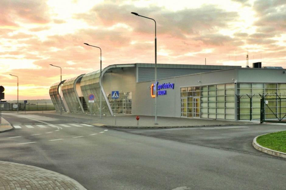 Lotnisko w Radomiu obsłużyło w 2016 r. blisko 10 tys. pasażerów