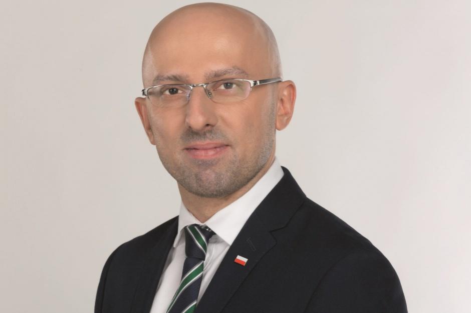 Łapiński: Nie cofniemy się z reformy oświaty