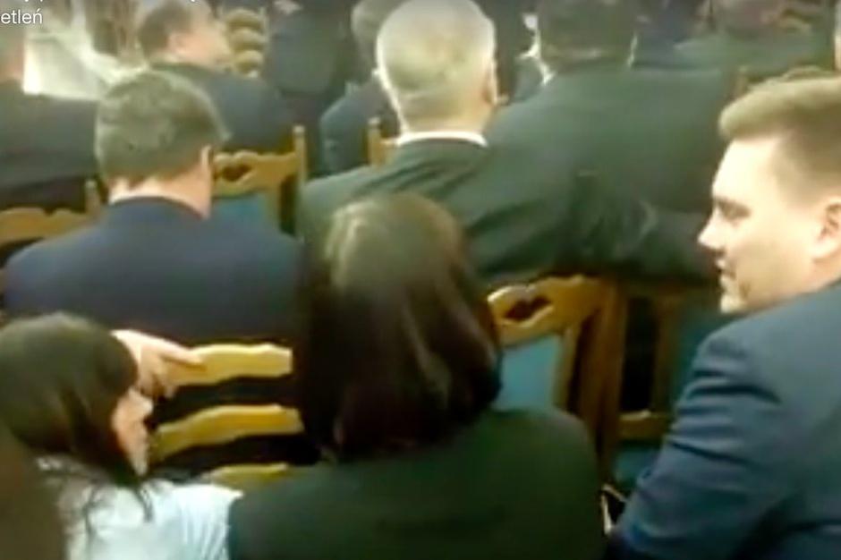 Czy radny Paweł Bogdan głosował budżet w Sali Kolumnowej?