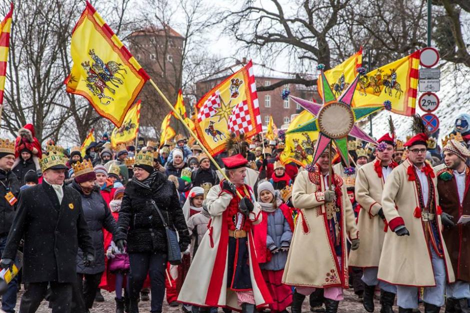 Kraków: Około 10 tysięcy osób wzięło udział w orszaku Trzech Króli