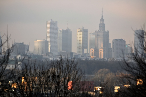 Warszawa: Zanieczyszczenie powietrza alarmujące, ratusz ostrzega