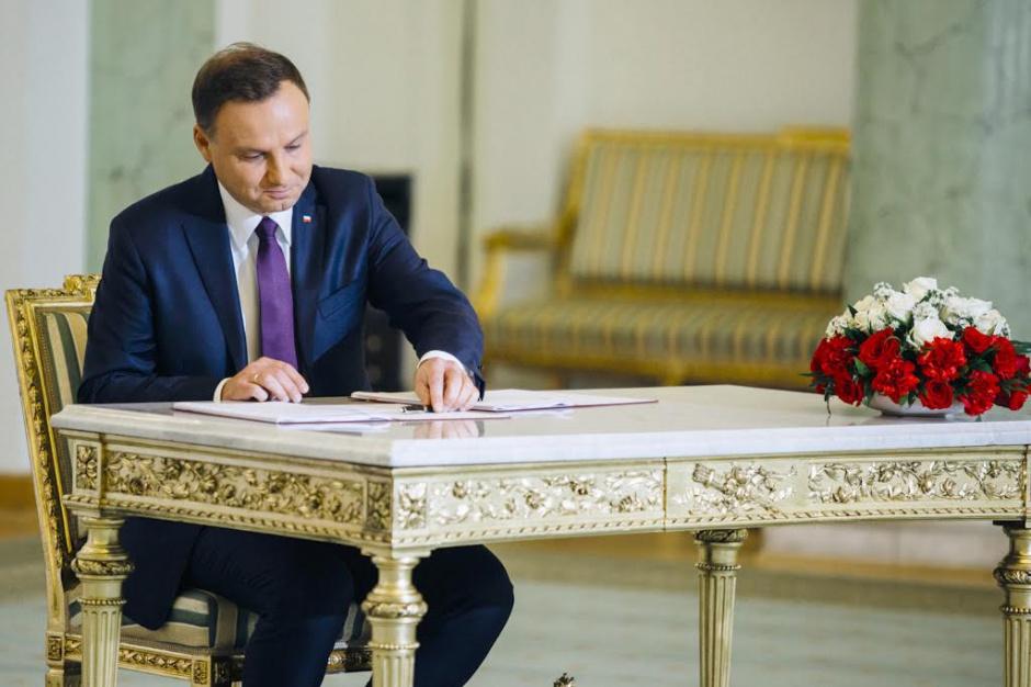 Andrzej Duda podpisał ustawy o reformie oświaty. I zaapelował do samorządów