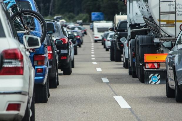 Smog: Samorządy zakażą wjazdu samochodów do centrum?