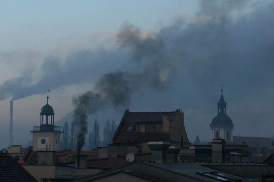 Śląskie miasta starają się walczyć z niską emisją