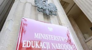 Sieci szkół: Jest wzór uchwały, jaką mają przyjąć samorządy