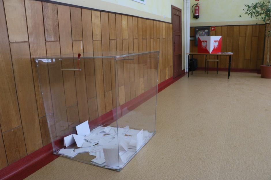 Podlaskie: Referendum ws. lotniska - w kilku powiatach protokoły do poprawki