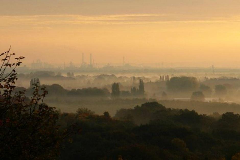 WIOŚ: Wysokie wartości zanieczyszczenia powietrza w części Mazowsza