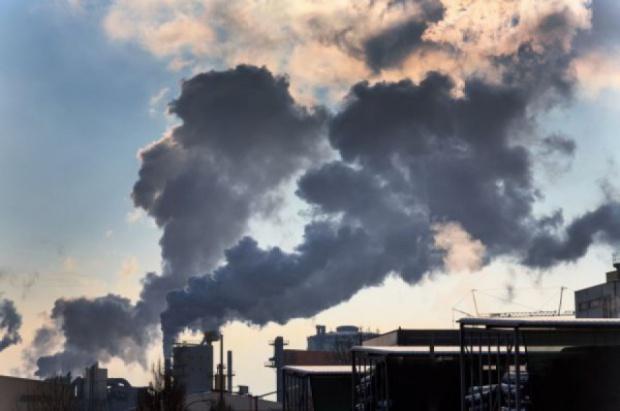 Smog: Wysokie zanieczyszczenia powietrza w mazowieckim