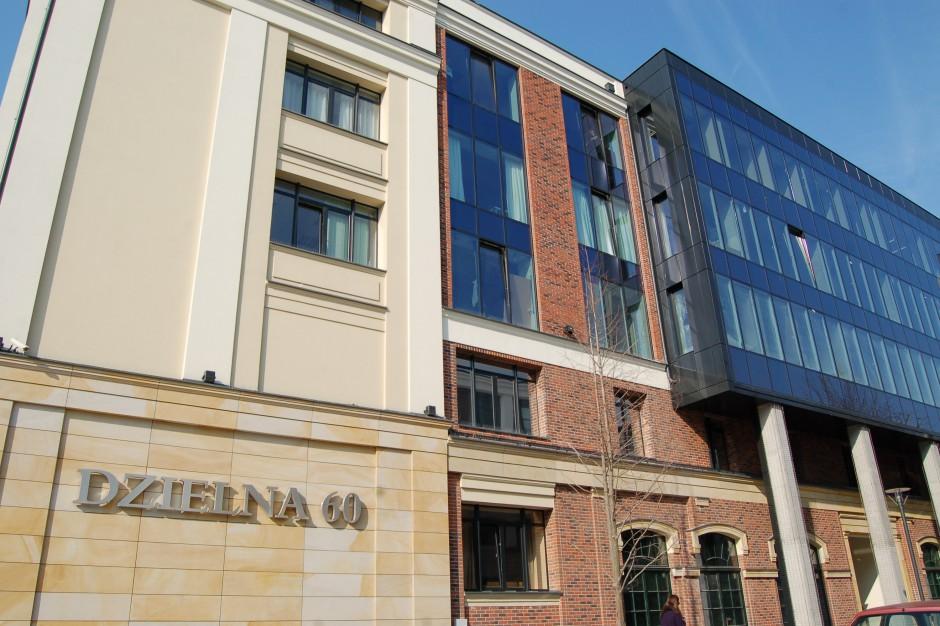 W wyremontowanych budynkach przy Dzielnej 60 powstała ekskluzywna przestrzeń biurowa o charakterze loftowym. (Fot. mat. pras.)