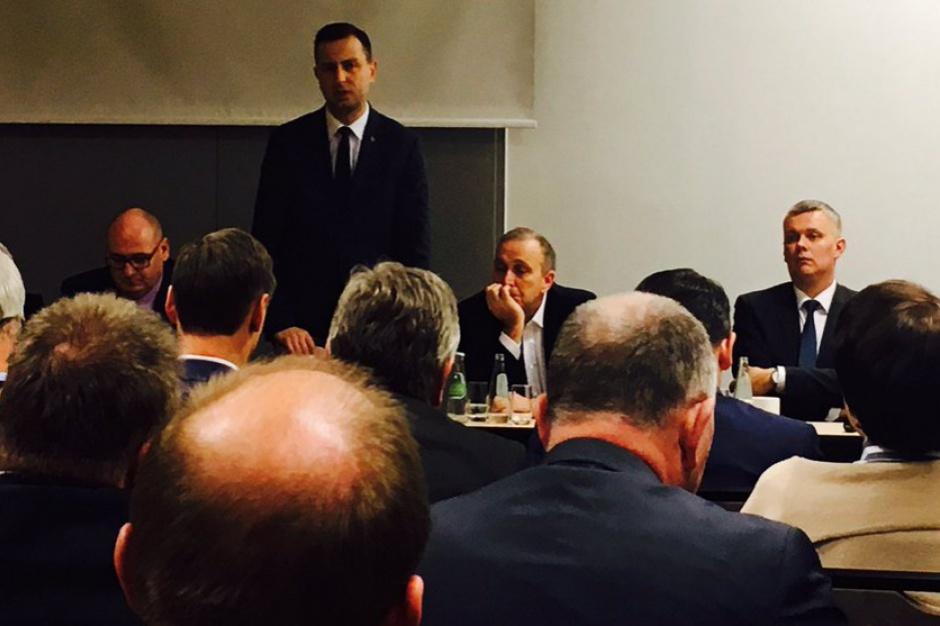 Schetyna i Kosiniak-Kamysz mobilizują samorządowców przed wyborami