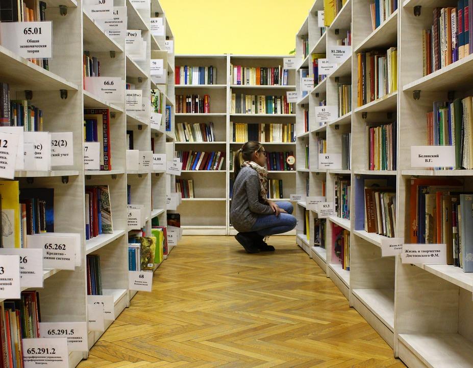 Do 75 zł na ucznia – tyle wynosi kwota dotacji celowej dla klas I szkoły podstawowej na podręczniki lub materiały edukacyjne. Fot. pixabay