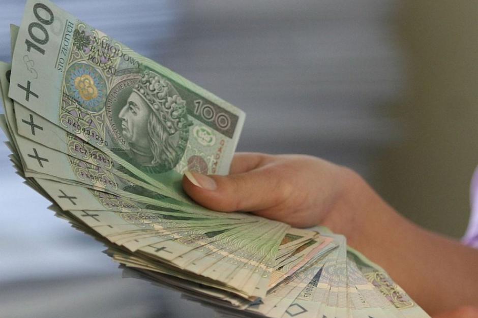 Ponad 7 mln zł na stypendia dla zdolnych uczniów z małych miast i wsi