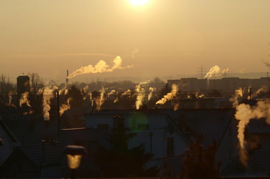 WIOŚ, Mazowsze, Warszawa: Wysokie zanieczyszczenie powietrza