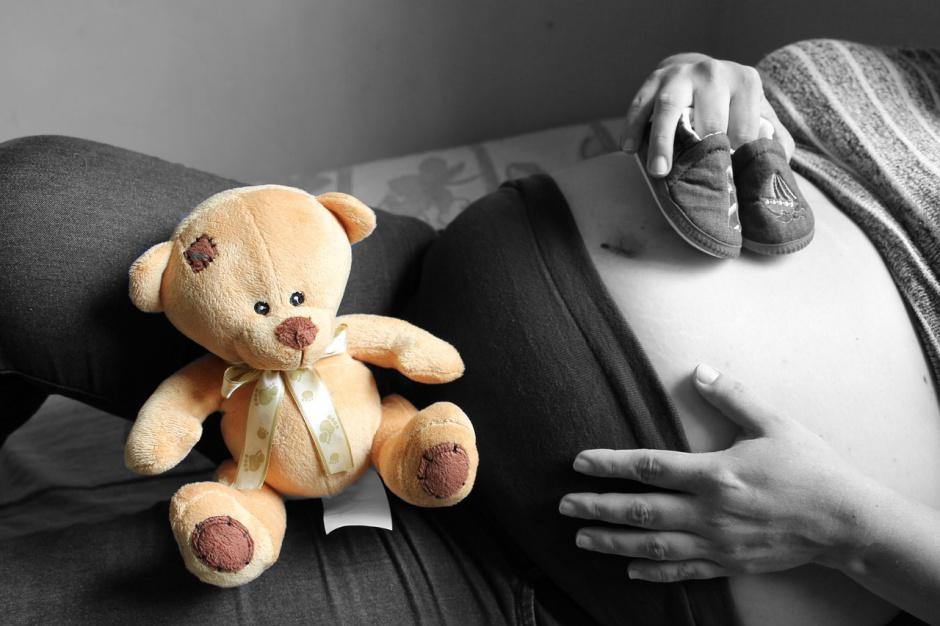 500 zł na dziecko: 500 plus dla samotnych matek? Nowoczesna ma pomysł