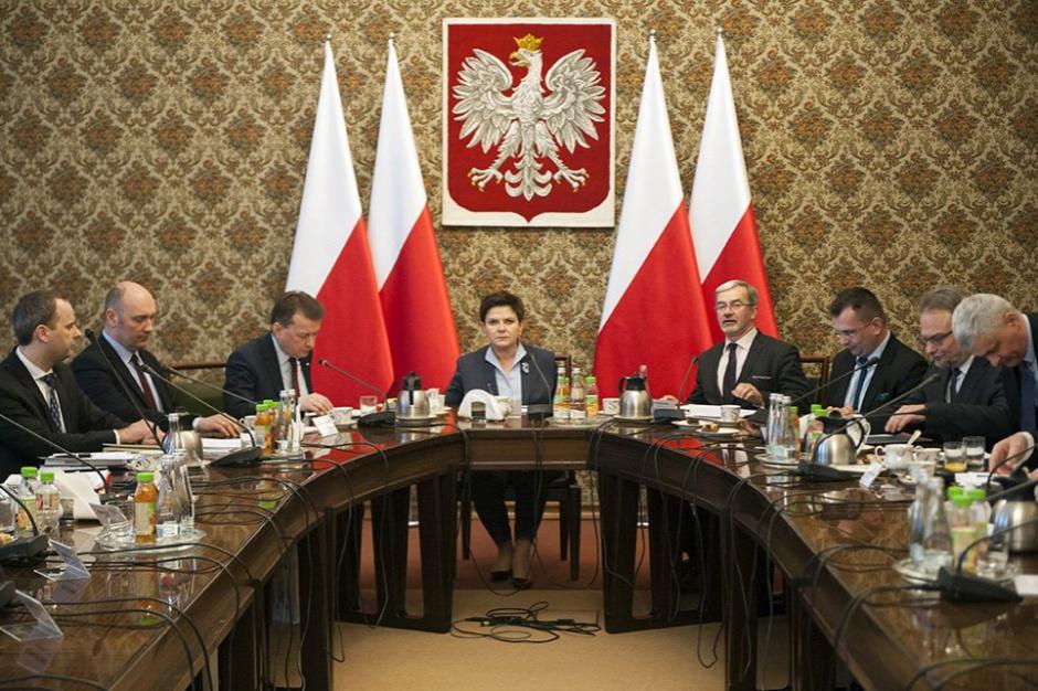 Premier Beata Szydło i szef MSWiA spotkali się z wojewodami