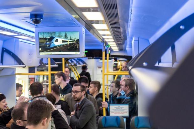 Smog, Koleje Śląskie: Ponad 2 tys. osób wybrało pociągi zamiast aut