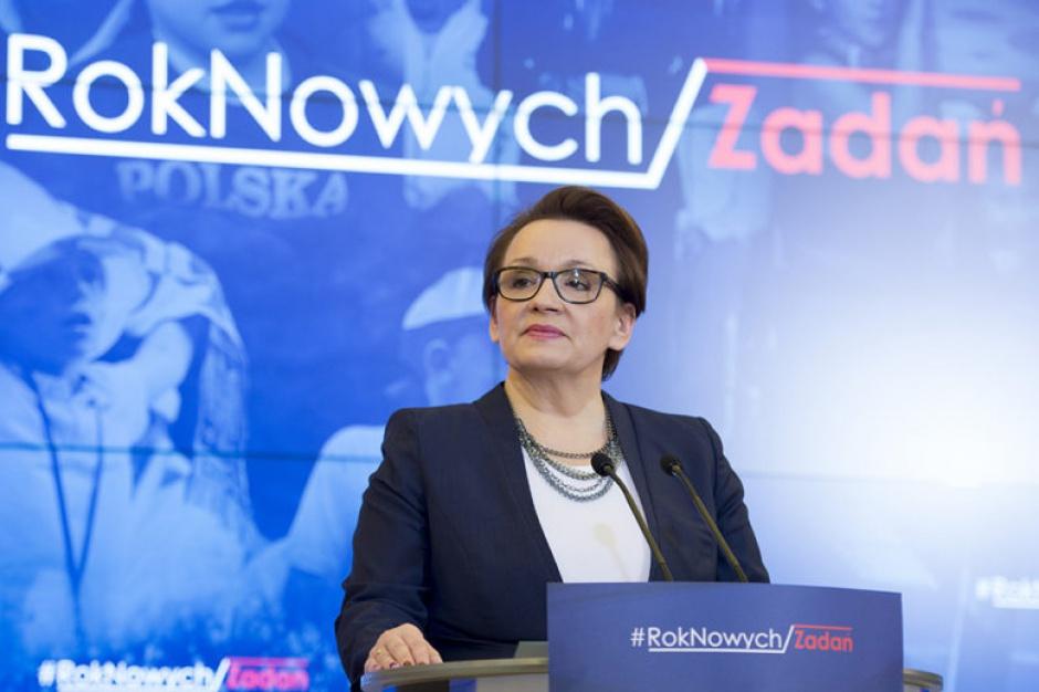 Referendum ws. reformy oświaty? Minister Anna Zalewska komentuje