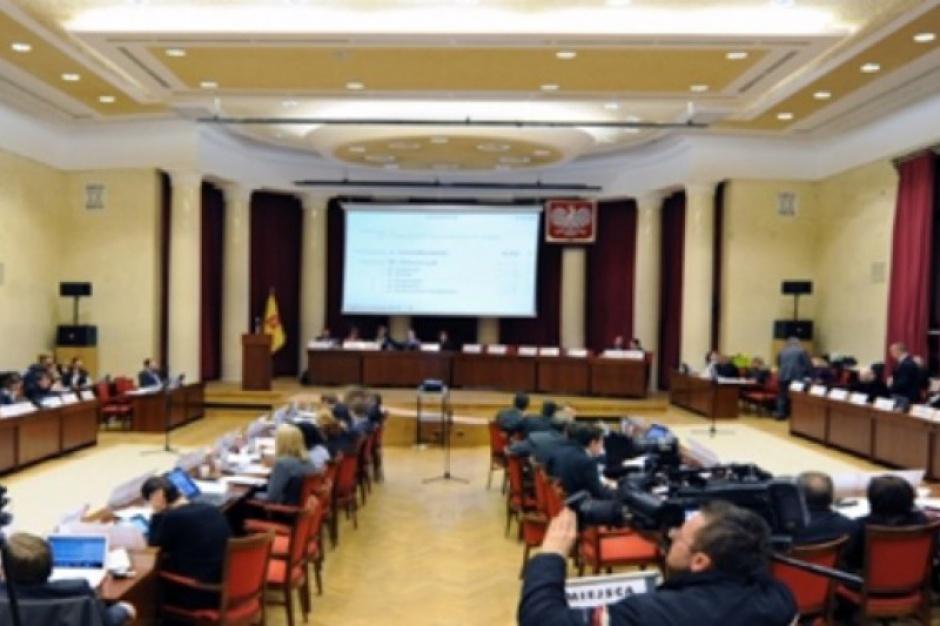 Będzie nadzwyczajna sesja Rady Warszawy ws. afery reprywatyzacyjnej?
