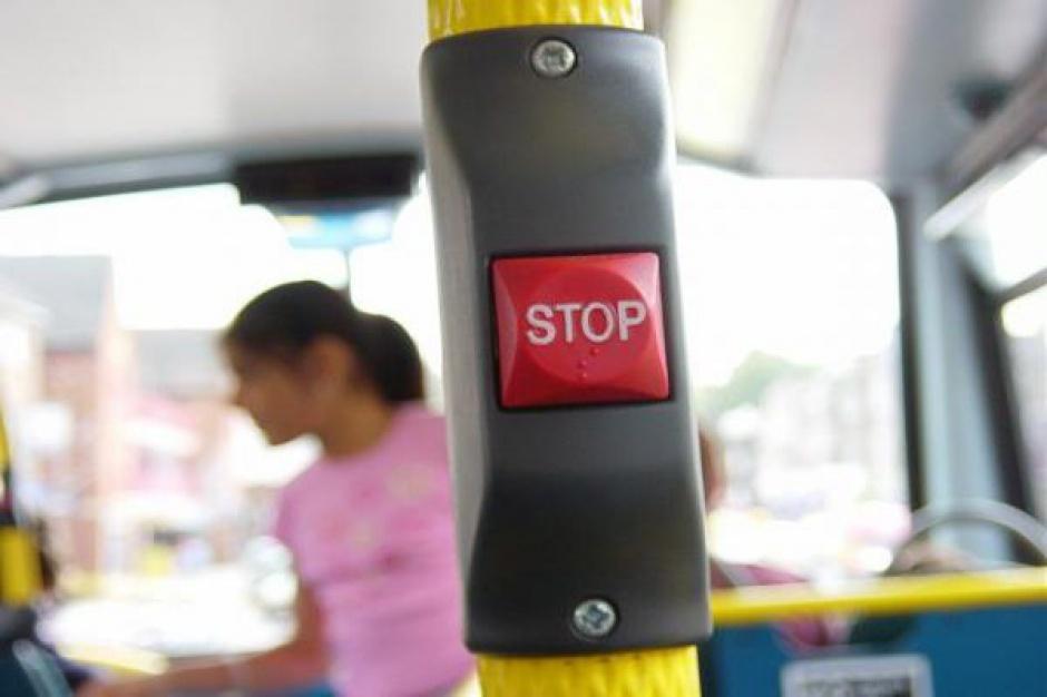 Śląskie: Z powodu smogu w czwartek bezpłatna komunikacja dla kierowców