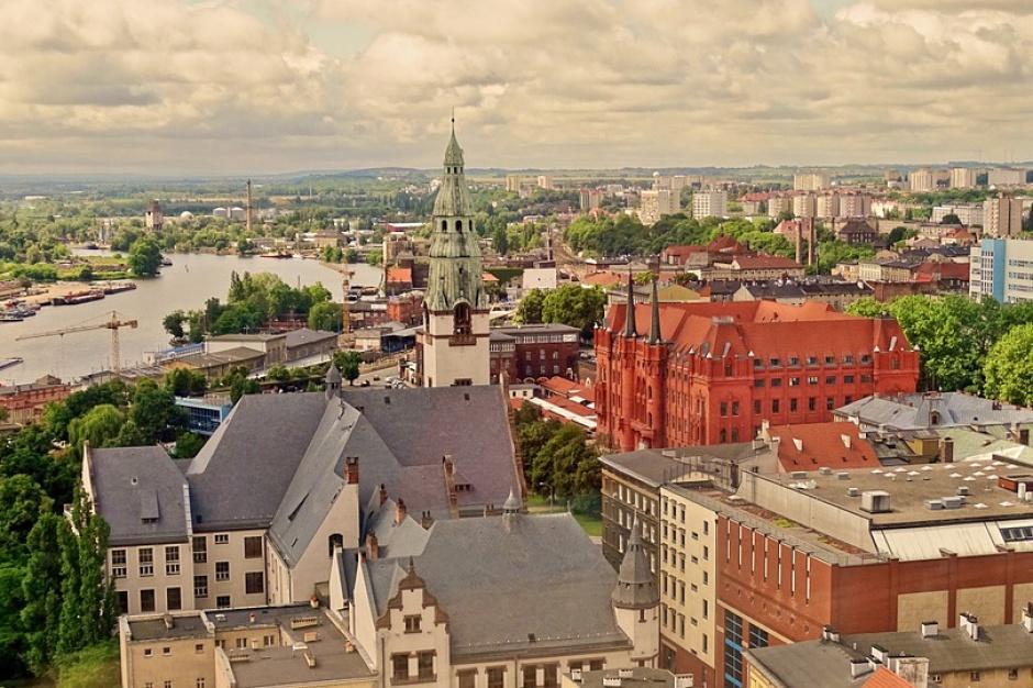 Szczecin: Koniec renowacji zabytkowych portowych żurawi