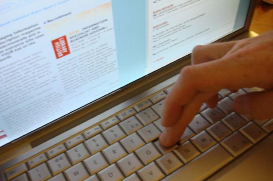 System Rejestrów Państwowych: Urzędnicy dowiedzą się z kim mieszkamy, poznają nr telefonu i e-mail
