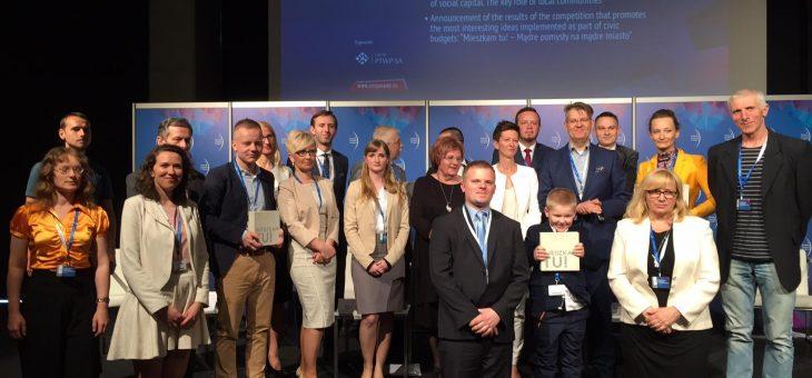 Laureaci konkursu w 2016 r. wraz z przedstawicielami jury