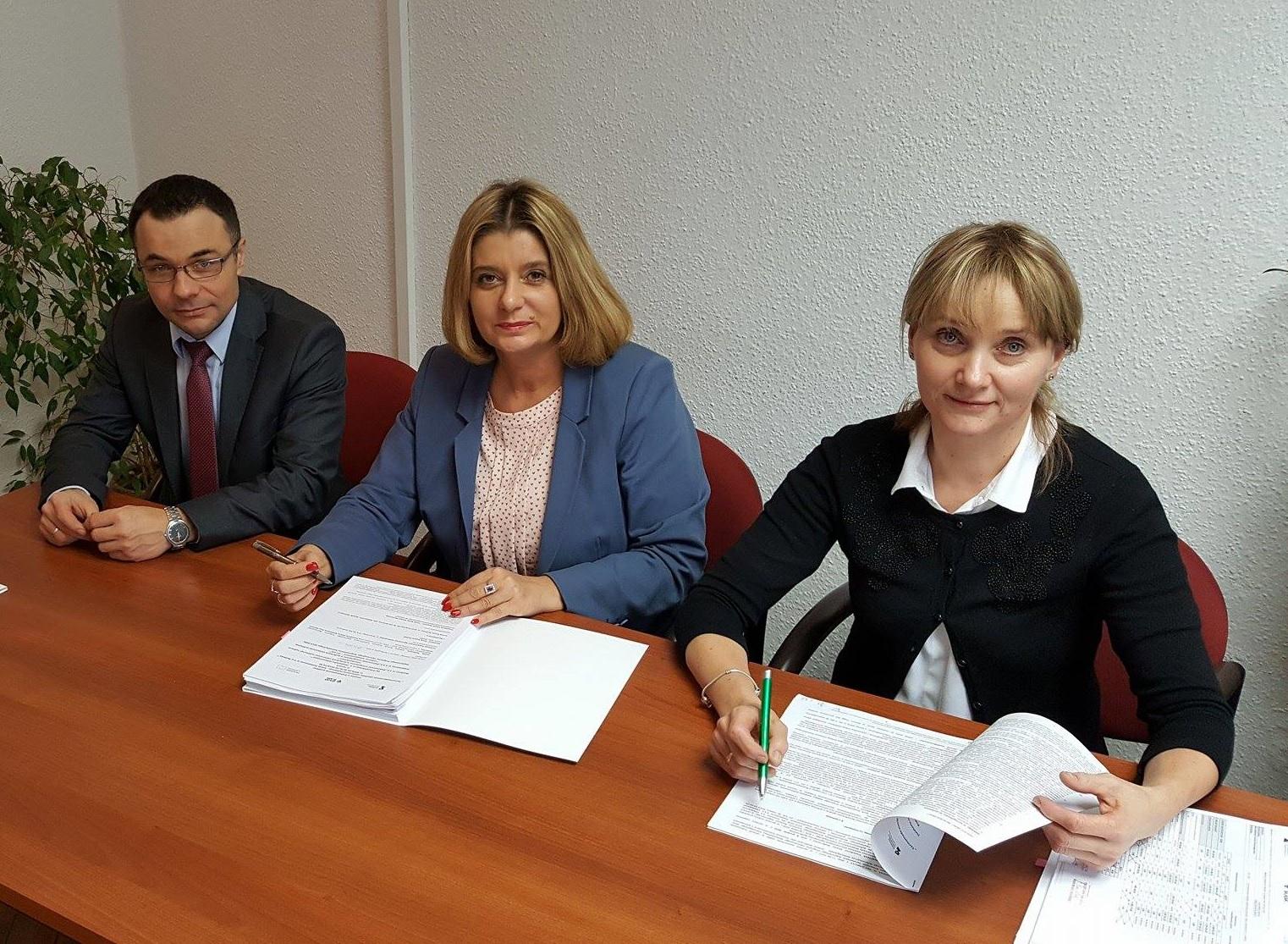 Świdnica podpisała pierwszą umowę z Instytucją Pośredniczącą Aglomeracji Wałbrzyskiej. (fot. UM Świdnica)