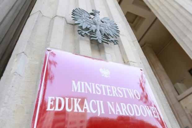 Zalewska: Nie można prowadzić działalności politycznej na terenie szkoły