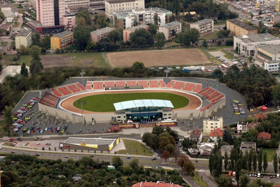 Kto zaprojektuje przebudowę stadionu Polonii?