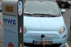 Ministerstwo da rabat samochodom elektrycznym