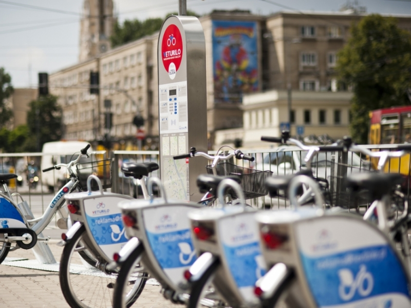 Sezon 2016 był rekordowy zarówno pod względem liczby użytkowników miejskich rowerów, jak też wypożyczeń. (fot. UM Warszawa)