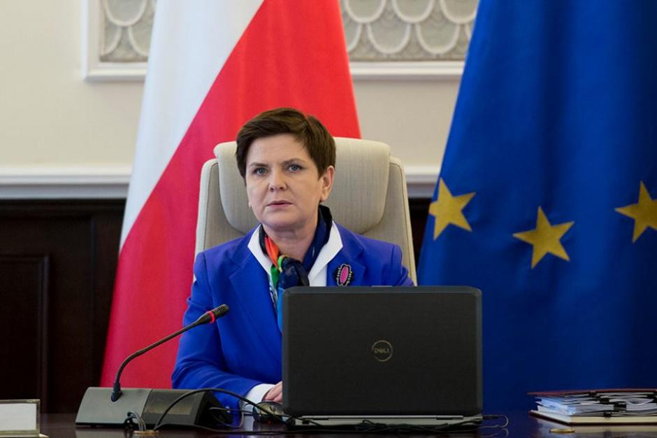 Beata Szydło: Rząd przyjął projekt dotyczący utworzenia tzw. sieci szpitali
